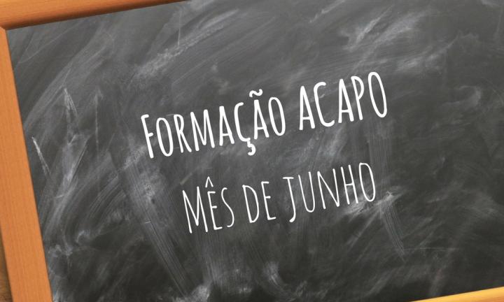 Ardósia com texto Formação na ACAPO | Mês de junho